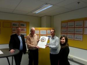 DHL Zevenaar ontvangt gouden keurmerk 'betrokken ondernemen'